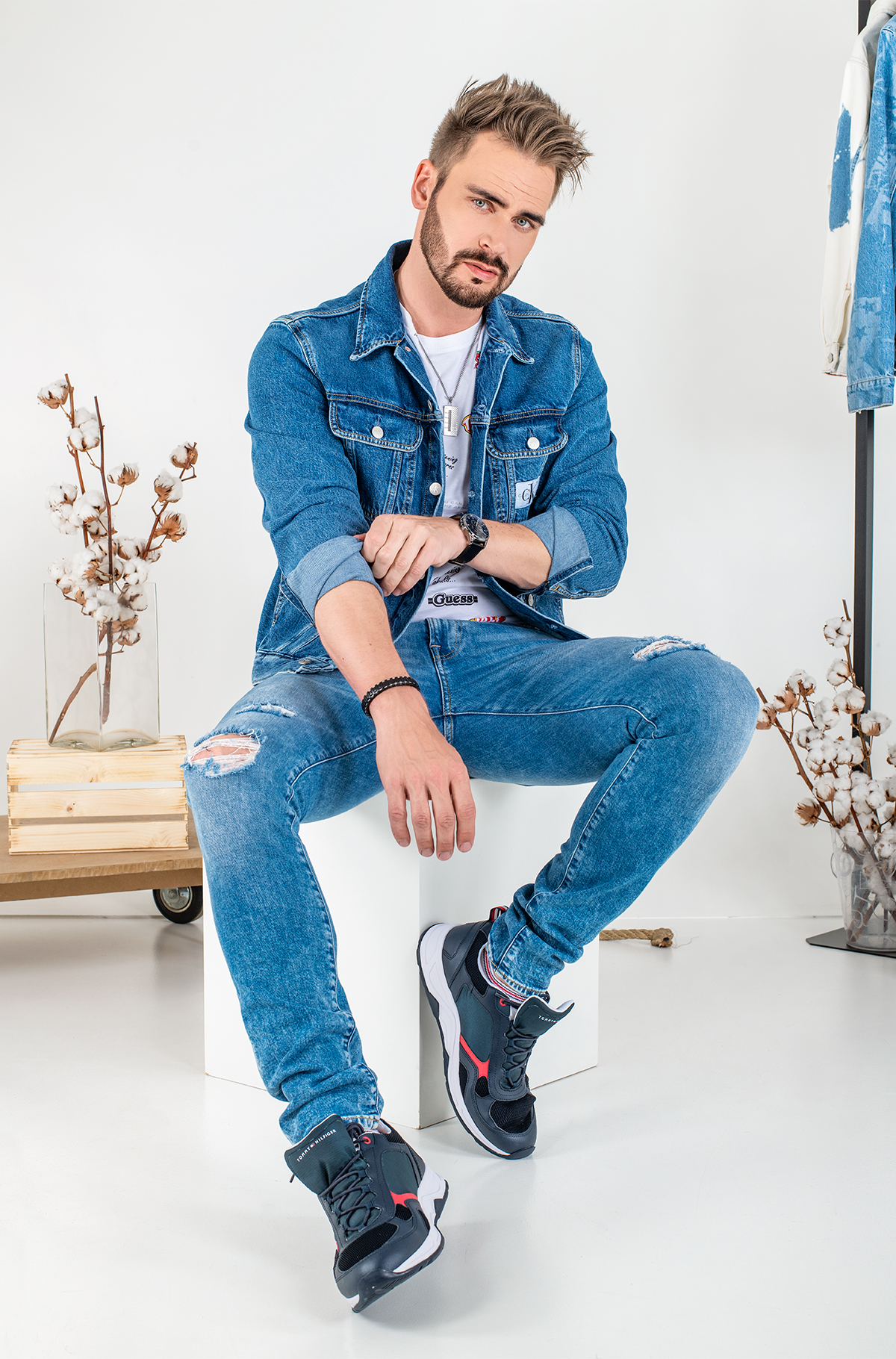 Head to toe in denim-201