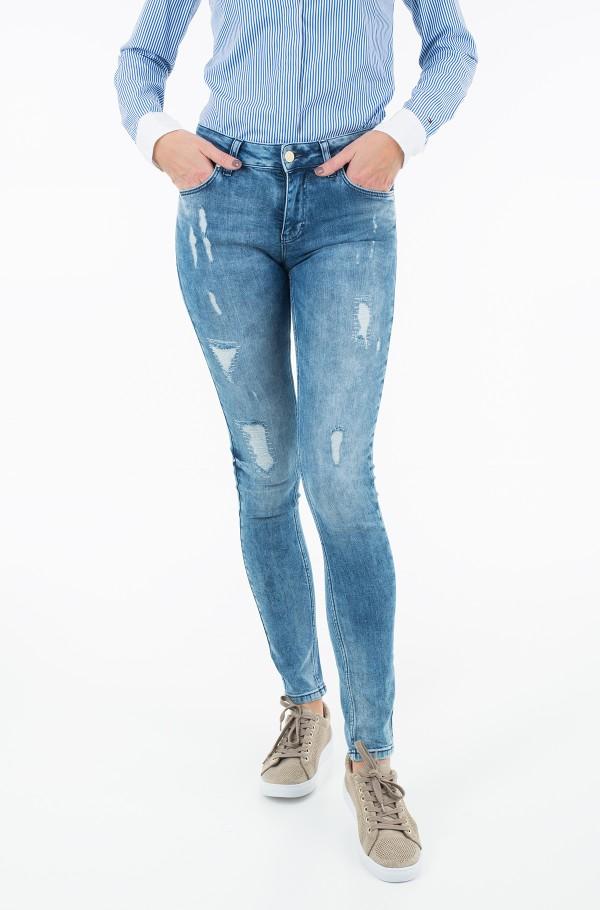 Janika skinny