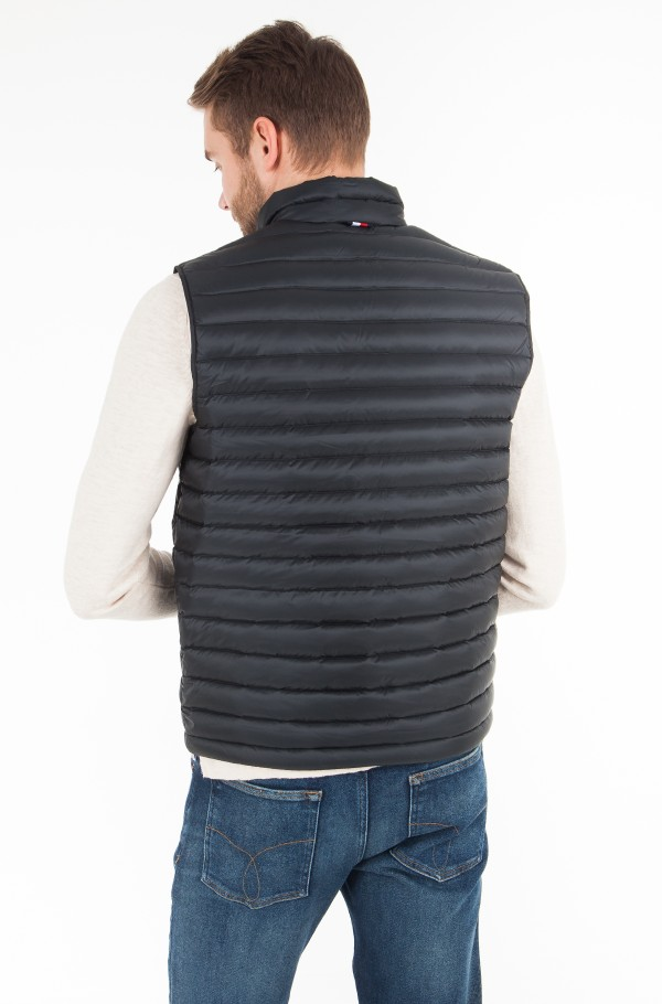 CORE LW PACKABLE DOWN VEST-hover