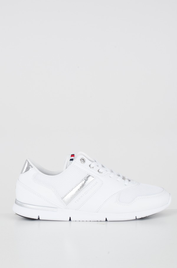 LIGHT WEIGHT BREATHABLE SNEAKER