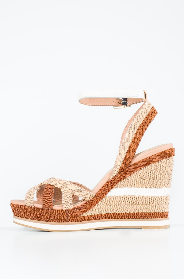 WEDGE SANDAL SPORTY OUTSOLE-hover