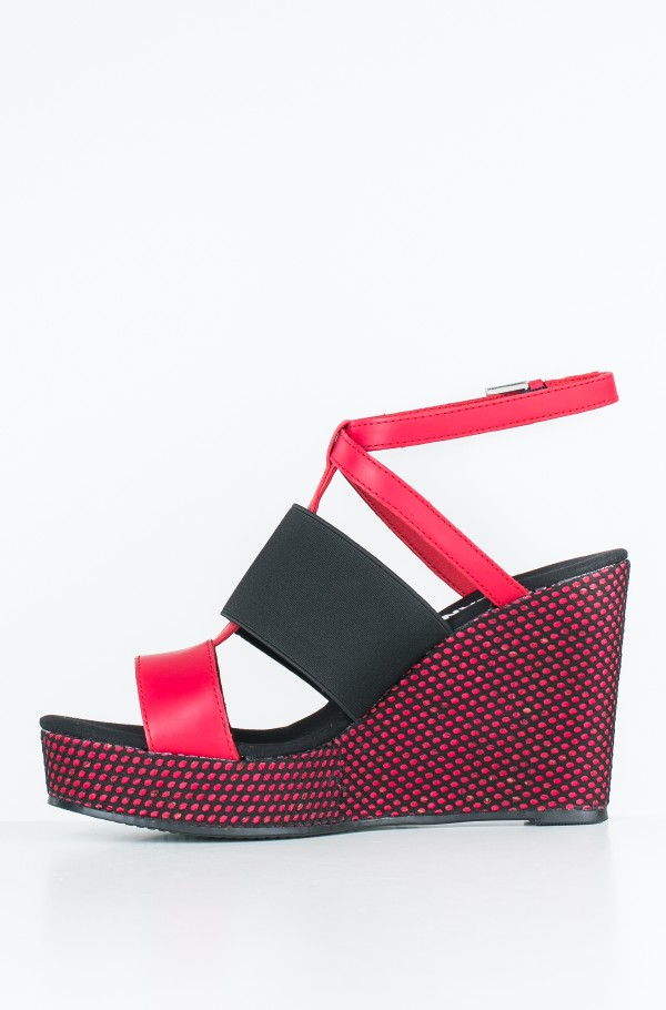 MATERIAL MIX WEDGE SANDAL-hover