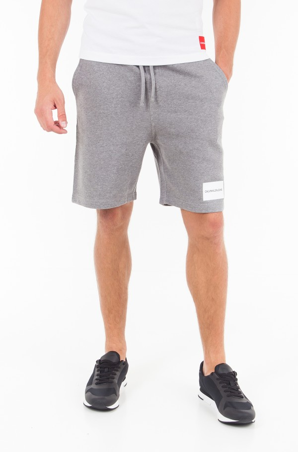 INSTITUTIONAL LOGO SLIM SWEATSHORTS