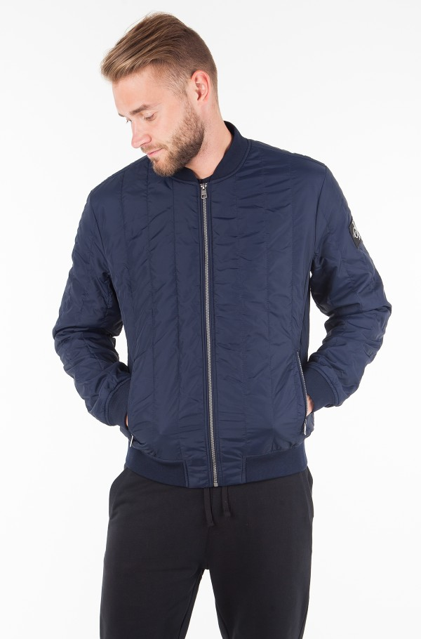 DOUBLE SIDE POCKET QUILTED BOMBER-hover