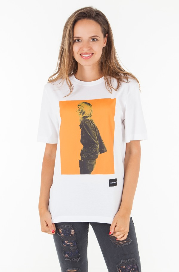 GRAPHIC BOYFRIEND FIT TEE