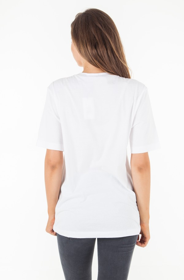 GRAPHIC BOYFRIEND FIT TEE-hover
