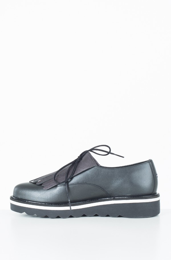 PEARLIZED LEATHER LACE UP SHOE-hover