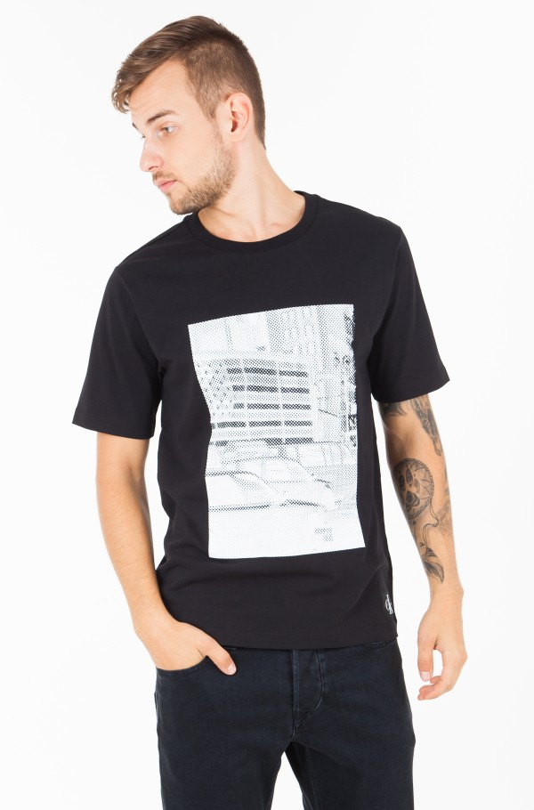 PIXELATED GRAPHIC REGULAR TEE