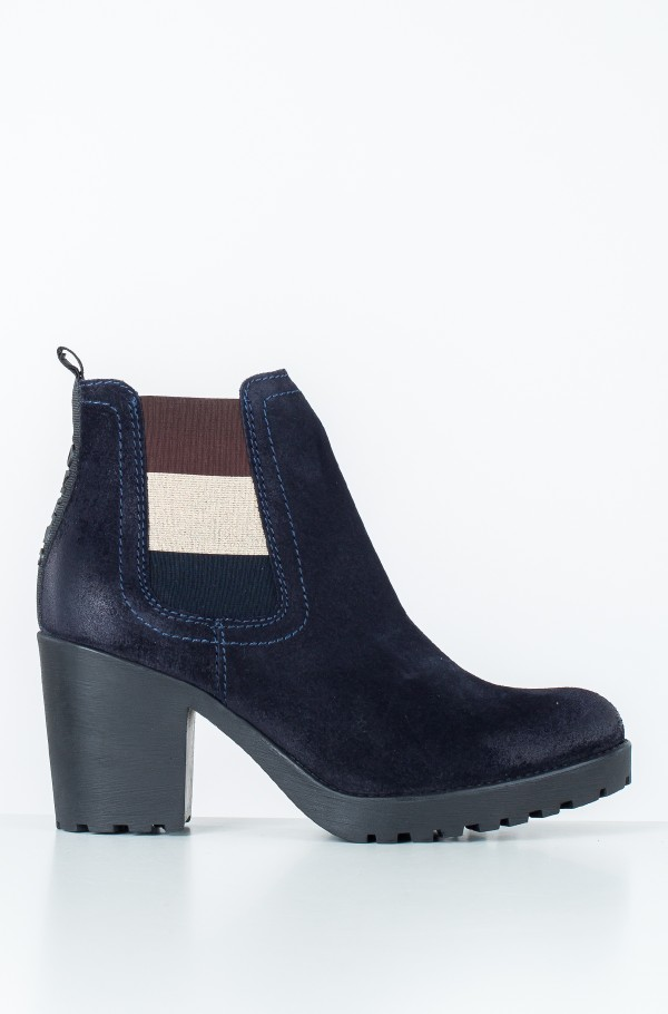 ESSENTIAL MID HEEL BOOT