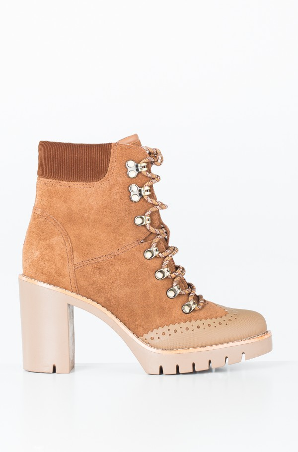 MODERN HIKING HEELED BOOT