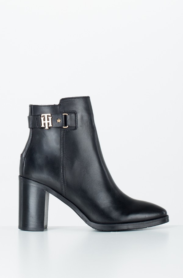 TH BUCKLE HEELED BOOT LEATHER
