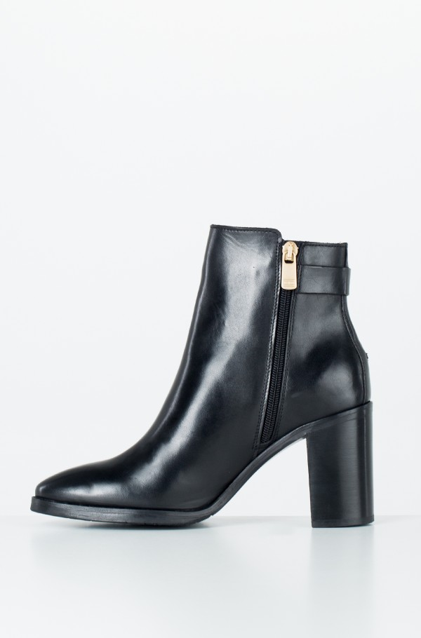 TH BUCKLE HEELED BOOT LEATHER-hover