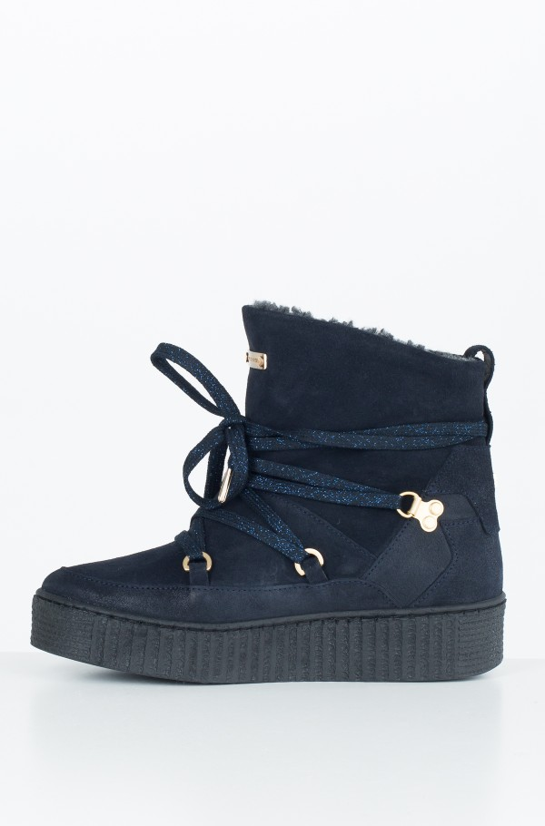 COZY WARMLINED SUEDE BOOT-hover