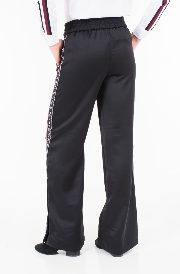 ICON ALINA FLARED CREPE PANT-hover