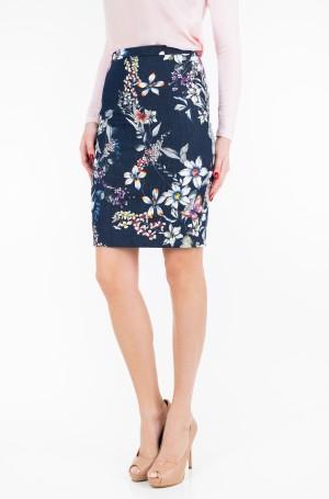 Skirt Age02-1