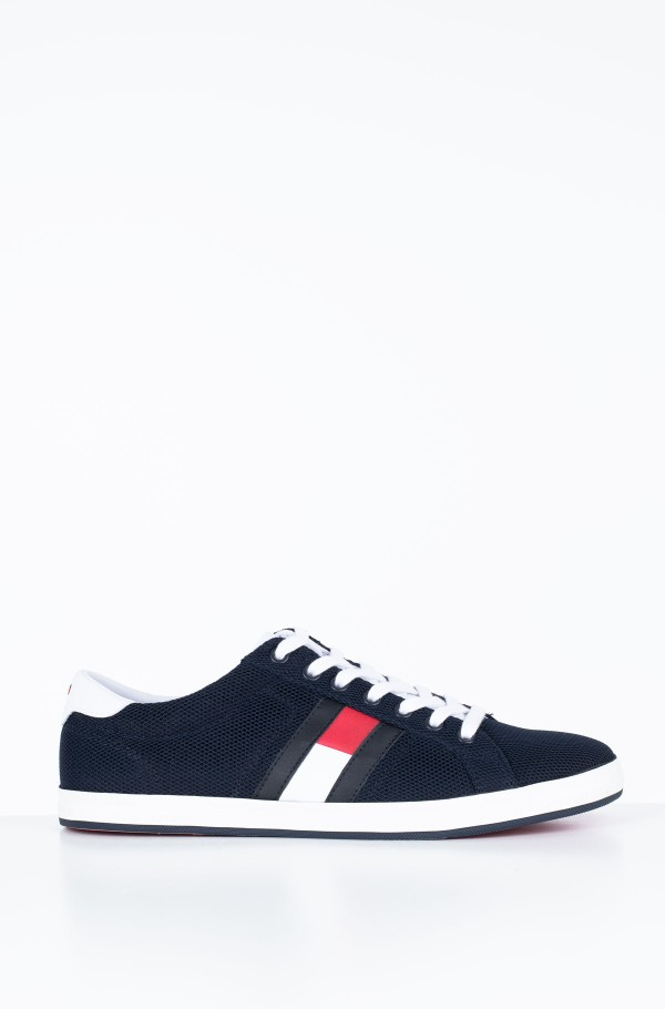 ESSENTIAL FLAG DETAIL SNEAKER