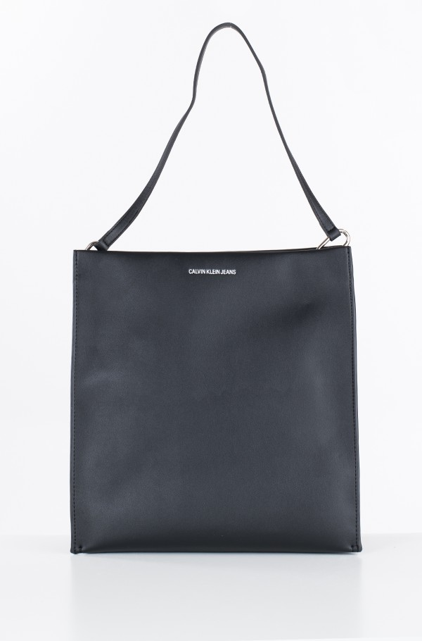 SCULPTED TOTE
