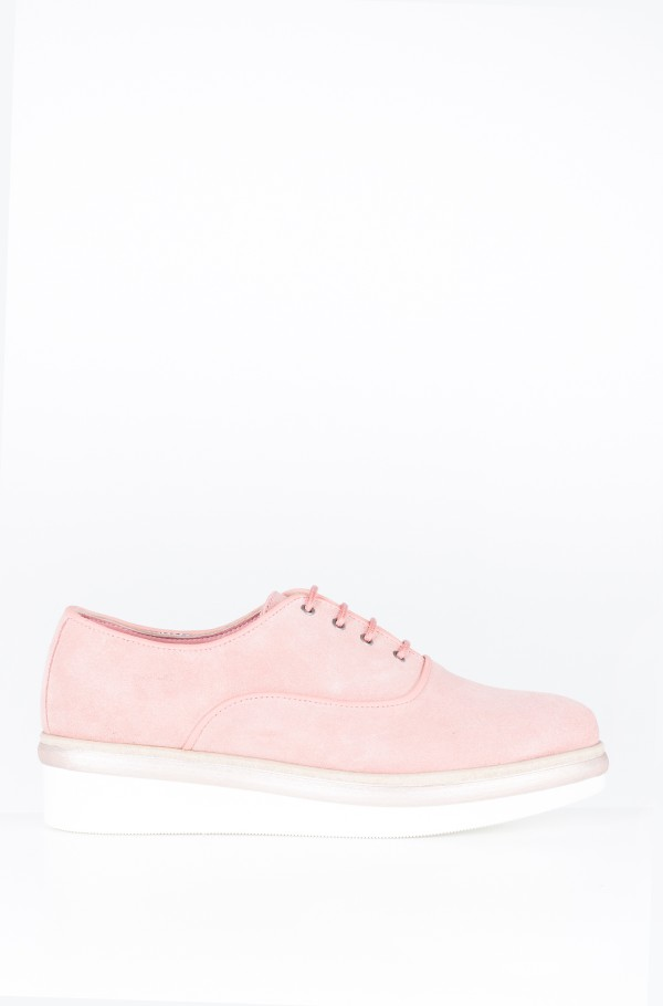 EASY FEMININE LACE UP SHOE