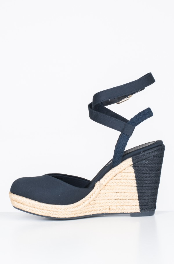 PRINTED CLOSED TOE WEDGE SANDAL-hover