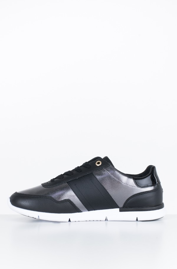 TOMMY ESSENTIAL LEATHER SNEAKER-hover
