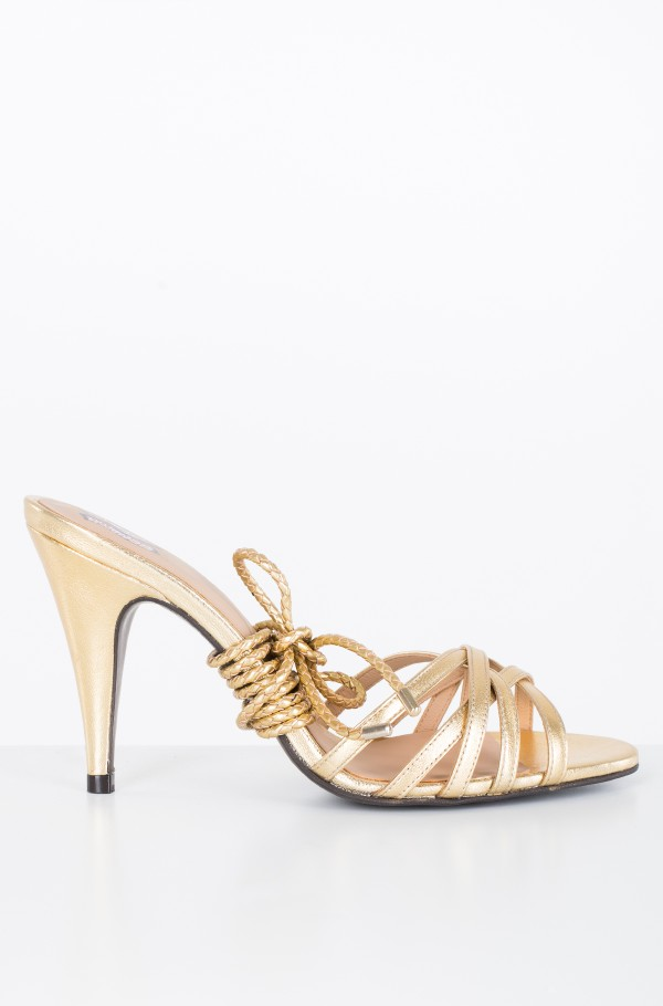 ZENDAYA ELEVATED STRAPPY SANDAL
