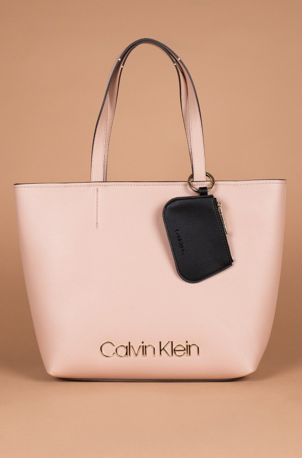 CK MUST MED SHOPPER