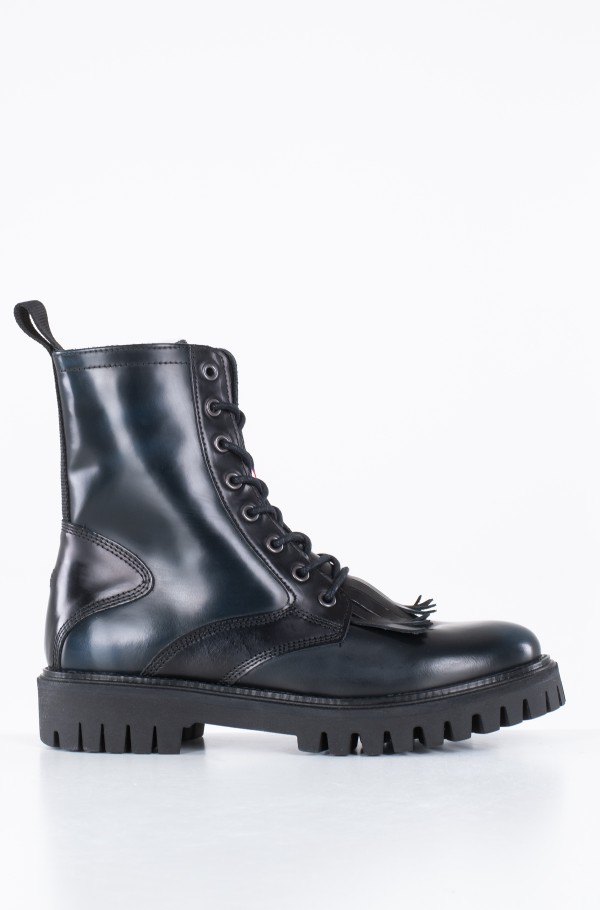 ICONIC POLISHED BOOT