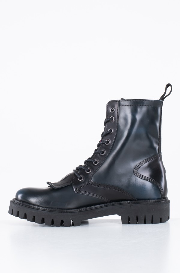 ICONIC POLISHED BOOT-hover