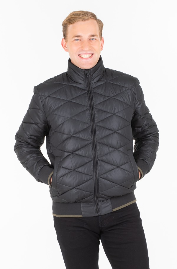 QUILTED STAND UP COLLAR JACKET