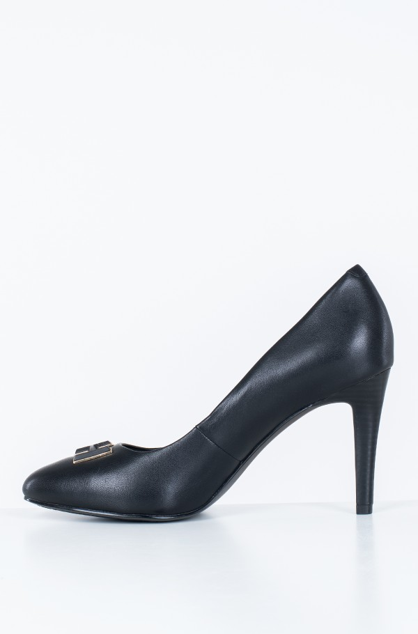ESSENTIAL LEATHER PUMP-hover