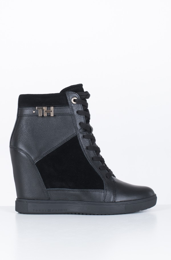 TH HARDWARE SNEAKER WEDGE