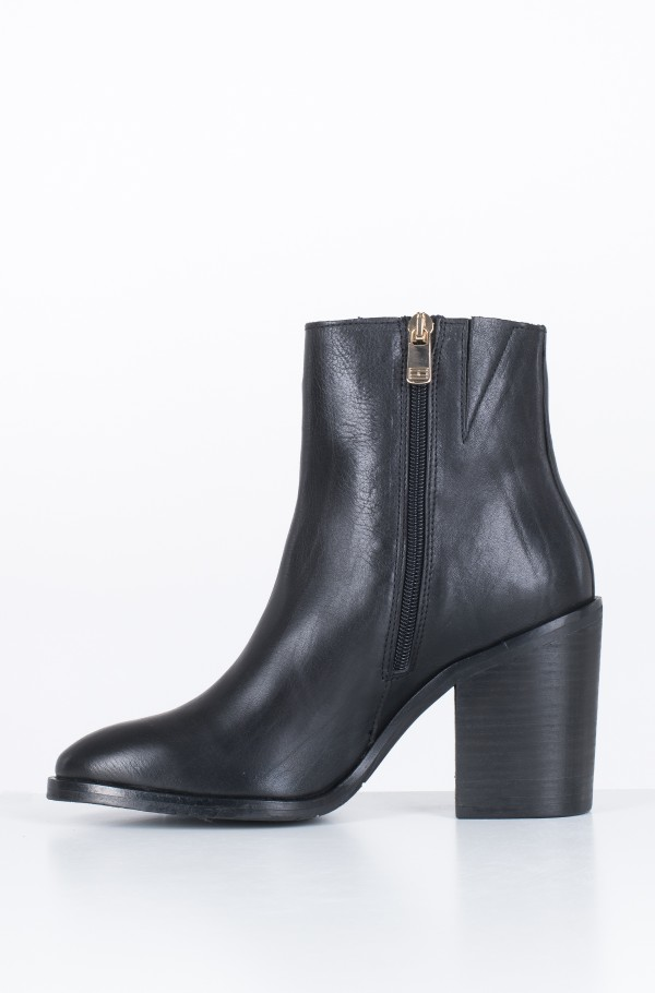 MONO COLOR HEELED BOOT-hover