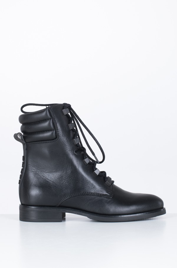 PIN LOGO LACE UP BOOT