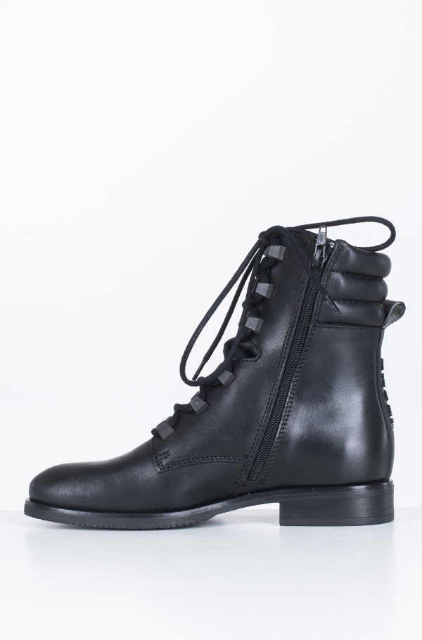 PIN LOGO LACE UP BOOT-hover