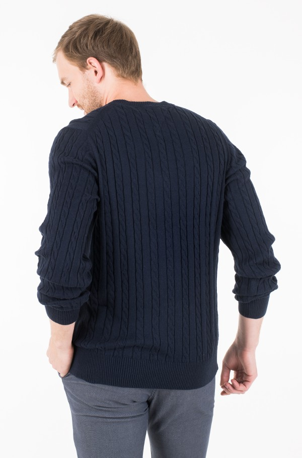 CLASSIC CABLE CREW NECK-hover