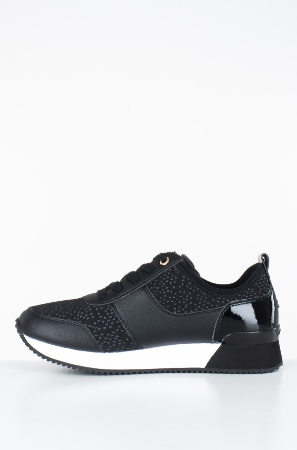 CITY ICONIC KNITTED SNEAKER-hover