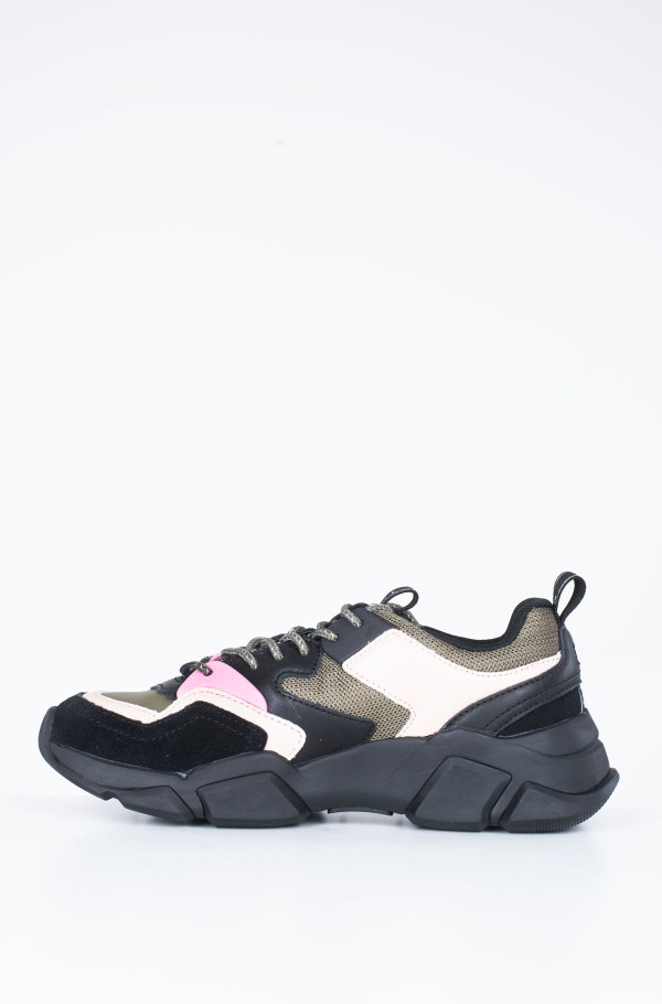 COSY CHUNKY SNEAKER-hover