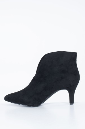 Boots 7995402-3