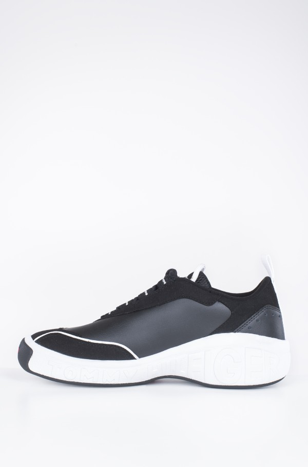 HERITAGE LOW CUT ICON SNEAKER-hover
