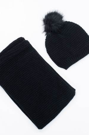 Set of hat and scarf B167A19-1