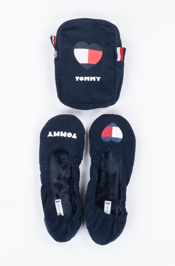 TOMMY HEART TRAVEL PACK