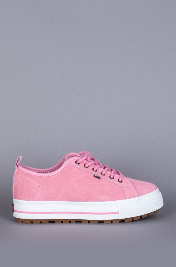 WMNS CLEATED CITY SNEAKER