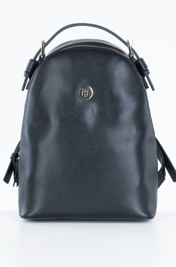 CLASSIC SAFFIANO BACKPACK