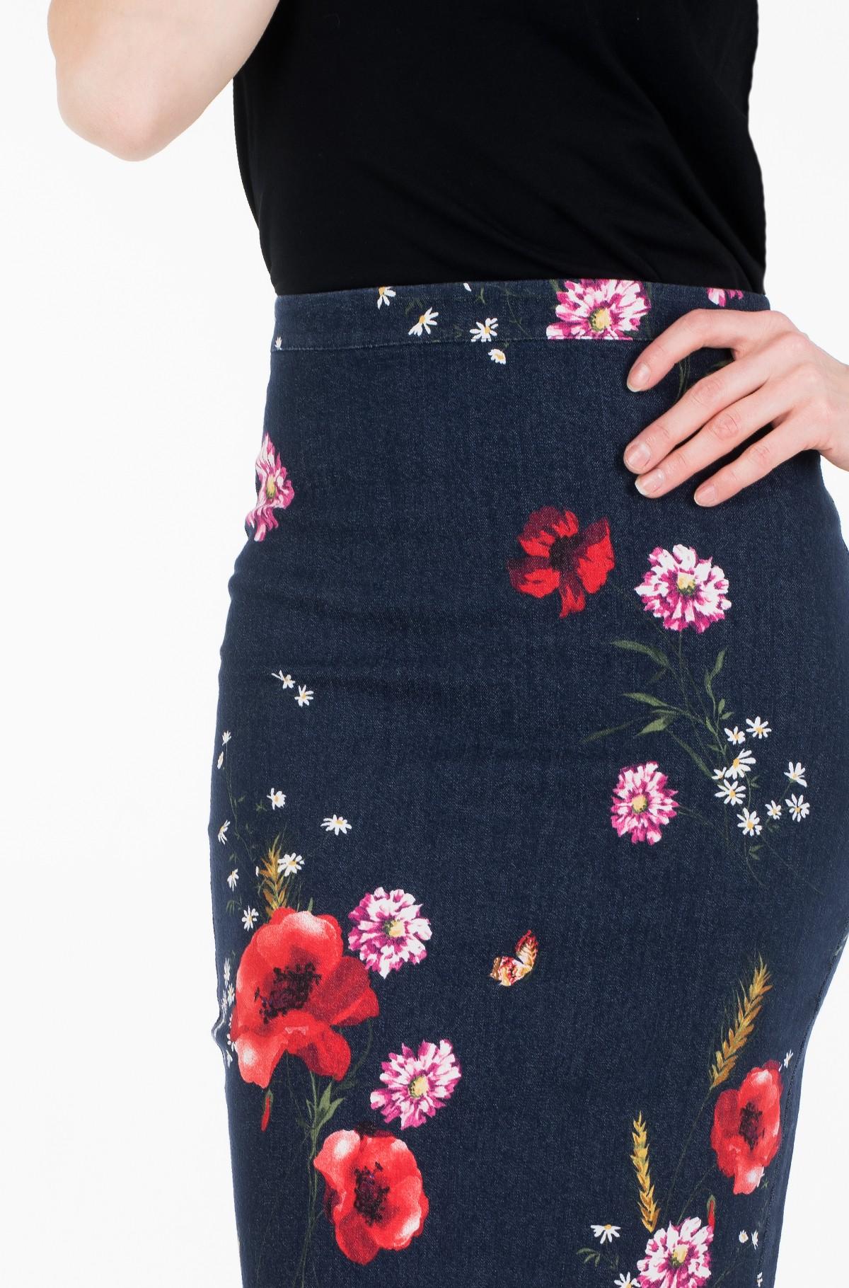 Skirt Age03-full-2