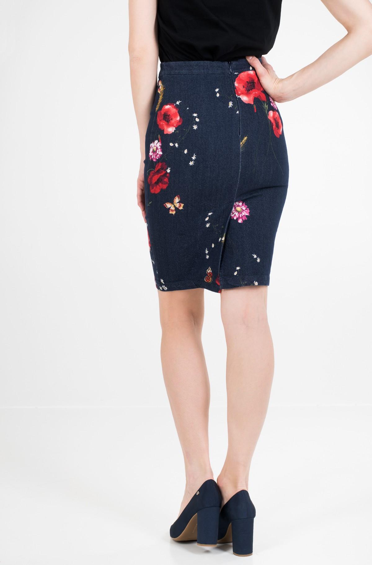 Skirt Age03-full-3