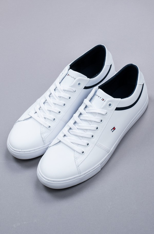 ESSENTIAL LEATHER SNEAKER-hover