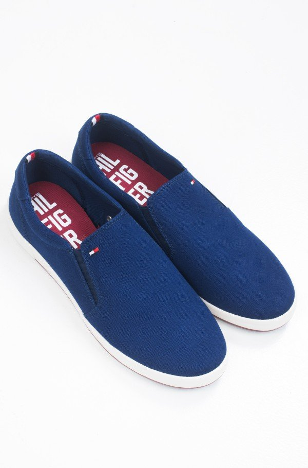 ICONIC SLIP ON SNEAK