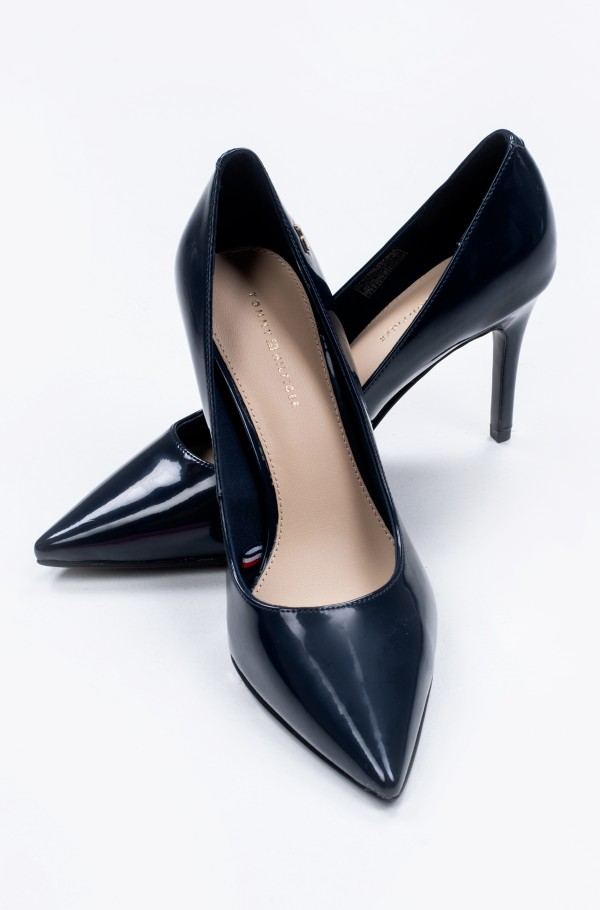 FEMININE PATENT HIGH HEEL PUMP