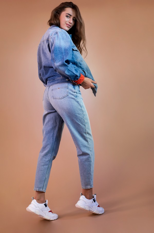 MOM JEAN HIGH RISE TAPERED SNDL