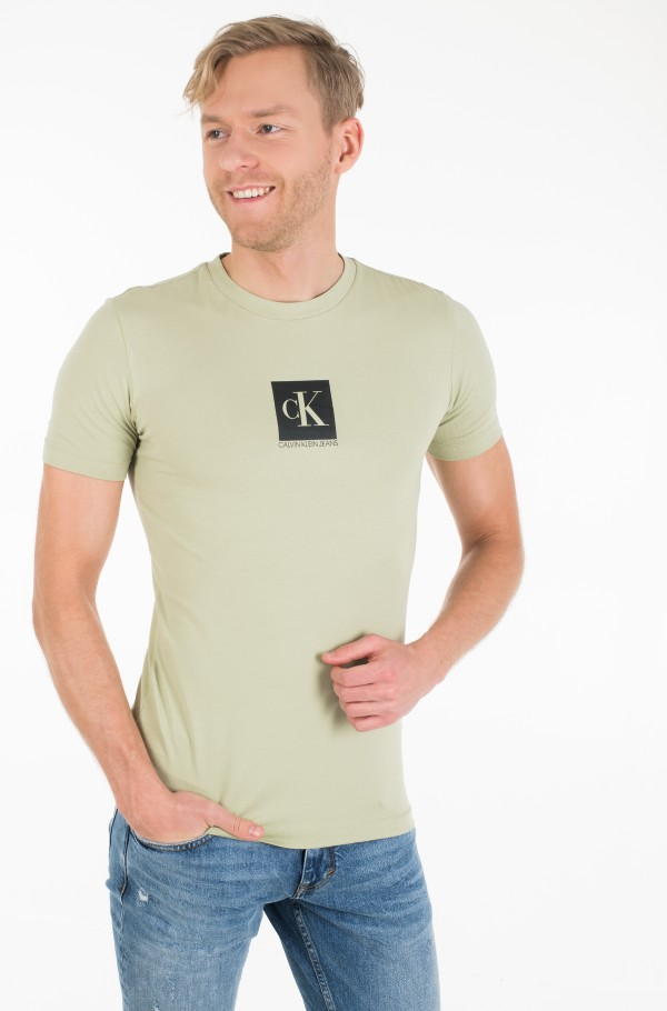 CENTER MONOGRAM BOX SLIM TEE-hover
